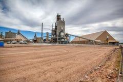 Конкретное промышленное предприятие в пустыне Аризоны высокой стоковое изображение