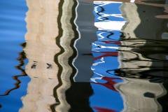 Конкретный конспект воды штабелевки дока стоковое фото