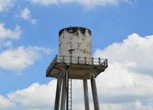 Конкретный танк водонапорной башни Стоковые Фотографии RF