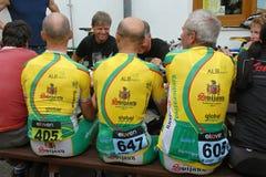 Конкуренты команды Svijany дают Svijany гонку пива после задействовать стоковое фото
