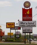 конкуренты цыпленка зажарили ресторан Стоковые Фотографии RF