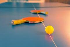 Конкуренции спорт в настольном теннисе стоковые фото