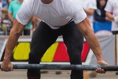 Конкуренции Powerlifting в улице стоковое фото