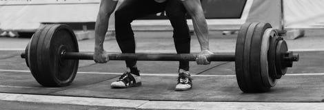 Конкуренции Powerlifting в улице Стоковые Изображения