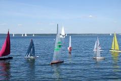 конкуренция моделирует яхту Стоковая Фотография