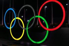 Конкуренция символа колец Олимпиад в Сочи z стоковые изображения rf