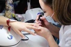 Конкуренция стилизаторов ногтя в Казахстане astana 10-ое ноября 2017 Стоковые Изображения