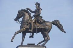 Конноспортивная статуя генерала Джорджа Вашингтона около памятника Вашингтона на квадрате капитолия в Ричмонде, Вирджинии Стоковое Изображение RF
