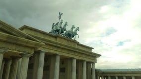 Конноспортивная статуя над памятником Стоковые Изображения RF