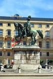 Конноспортивная статуя Schwarzenberg, Schwarzenbergplatz в вене, Австрии Стоковое фото RF