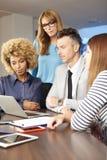 Консалтинг по менеджменту на офисе Стоковые Изображения