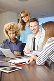 Консалтинг по менеджменту на офисе Стоковые Фото
