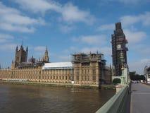 Консервация парламента Великобритании работает в Лондоне стоковые изображения