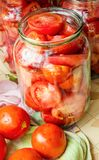 Консервация томатов стоковые фото