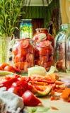 Консервация томатов стоковое изображение rf