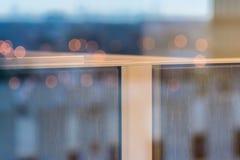 конспект близкий вверх отражения стены кабины в окне Стоковое фото RF