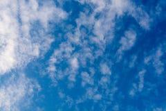 Конспект неба и облака стоковое изображение rf