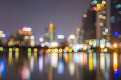 Конспект, bokeh нерезкости света городского пейзажа ночи, defocused предпосылка Стоковые Фотографии RF