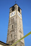 Конспект Cadrezzate старый и день колокола башни церков солнечный Стоковая Фотография
