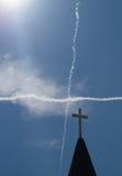 Конспект Steeple и неба перекрестный стоковое изображение