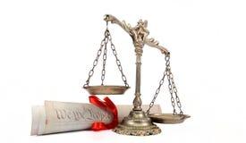 Конституция и весы правосудия Соединенных Штатов Америки Стоковые Фотографии RF
