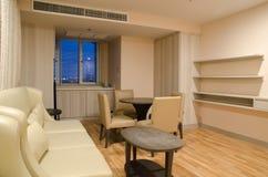 конструированный тип комнаты домашнего интерьера живя ретро Стоковые Фотографии RF