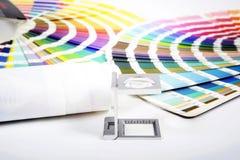 Конструируйте и подпрессуйте концепцию стоковое изображение