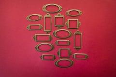 Конструируйте рамку элемента для продажи на красной предпосылке Стоковые Фотографии RF