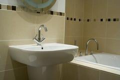 конструктор ванной комнаты самомоднейший стоковые фотографии rf