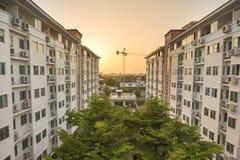 Конструктор здания с заходом солнца Стоковые Изображения