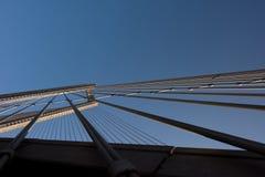 Конструкции стальных веревочек моста на предпосылке неба стоковая фотография rf