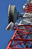 Конструкция башни радиосвязей с антеннами Стоковые Фотографии RF