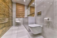 конструкция ванной комнаты самомоднейшая стоковая фотография