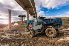 Конструкция виадука, гражданское строительство для того чтобы построить дорогу стоковое фото rf