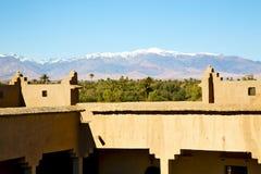 конструкция в Марокко и облака около неба Стоковая Фотография RF