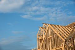 Конструкция дома крыши щипца конца-вверх деревянная Стоковое фото RF