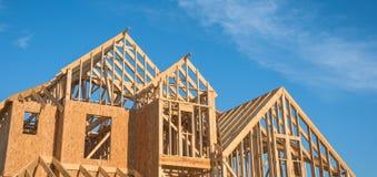 Конструкция дома крыши щипца конца-вверх деревянная Стоковые Изображения