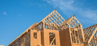 Конструкция дома крыши щипца конца-вверх деревянная Стоковая Фотография