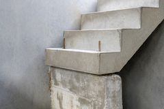 Конструкция конкретных подготовленных лестниц стоковая фотография