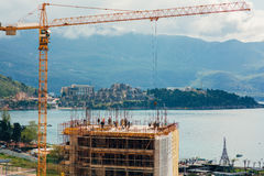 Конструкция многоэтажного здания в Budva, Черногории Buil Стоковая Фотография