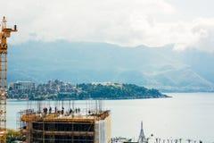 Конструкция многоэтажного здания в Budva, Черногории Buil Стоковая Фотография RF