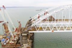 Конструкция моста Объекты инженерства для конструкции моста железной дороги и автомобиля через пролив Стоковое Изображение