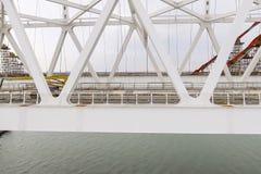 Конструкция моста Объекты инженерства для конструкции моста железной дороги и автомобиля через пролив Стоковые Изображения