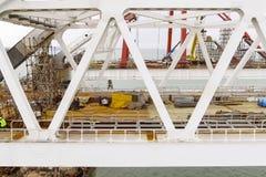 Конструкция моста Объекты инженерства для конструкции моста железной дороги и автомобиля через пролив Стоковые Фото