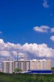 Конструкция нового жилого дома в поле Город ab Стоковая Фотография