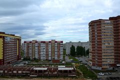 Конструкция нового района в чистом поле Togliatti Стоковые Фотографии RF