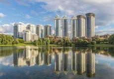 Конструкция новых жилых домов в Москве на Mosfilmo Стоковая Фотография