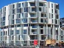 Конструкция, современный овальный Multi ровный жилой дом Стоковые Фотографии RF
