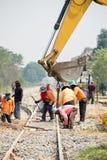 Конструкция улучшения Backhoe и работника железной дороги стоковые изображения rf