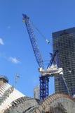 Конструкция эпицентра деятельности транспорта всемирного торгового центра Сантьяго Калатрава продолжается в Манхаттане Стоковая Фотография RF